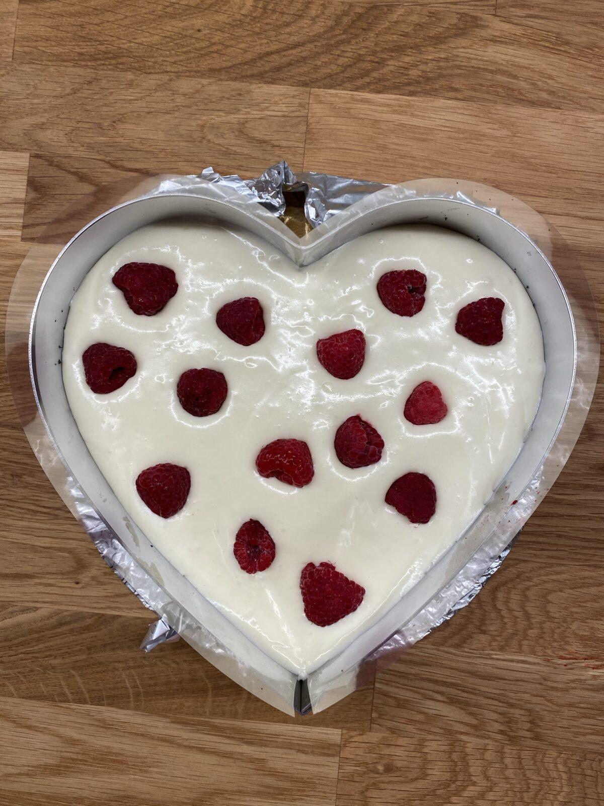 valentine's day cake 4